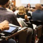 Les bonnes raisons de suivre une formation VAE dans la filière sociale