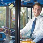 Quelles sont les qualités et la formation requises pour devenir chauffeur de bus ?
